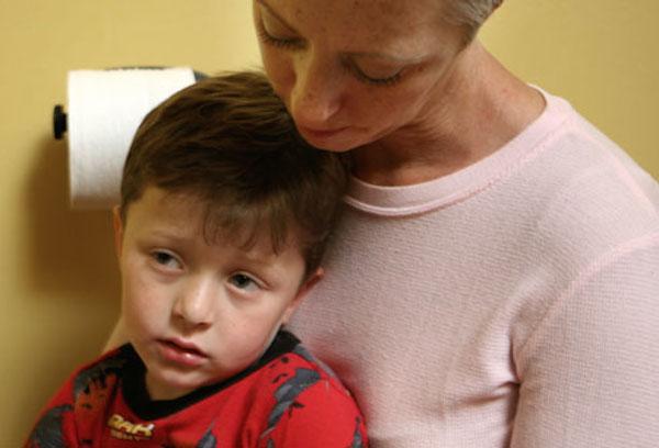 مادر و کودک مریض