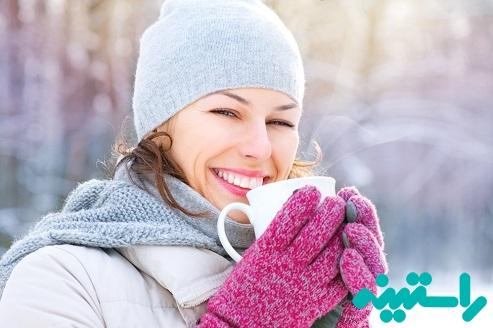 نوشیدن شکلات داغ در هوای سرد
