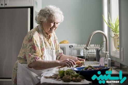 سپردن مسئولیت به سالمند