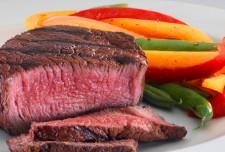 beef 225x152 غذاهای بدی كه برای كاهش وزن خوبند