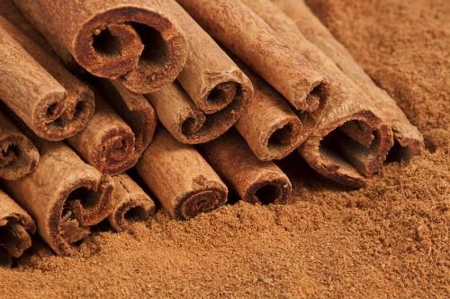 Cinnamon 500x333 خواص و فواید دارچین چیست؟ خواص پزشکی آن کدام است؟