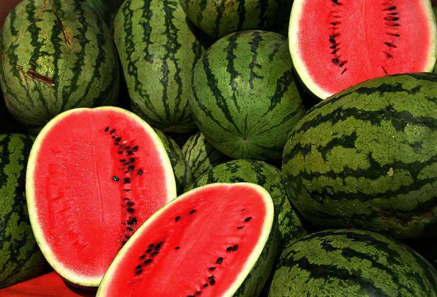 http://rastineh.ir/wp-content/uploads/2014/05/Watermelons.jpg