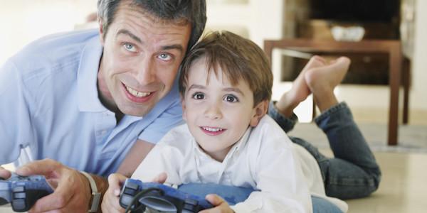 بازی کردن با کودک