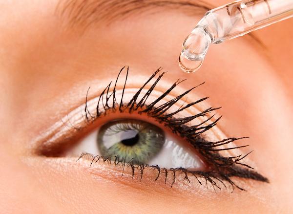 قطره خشکی چشم