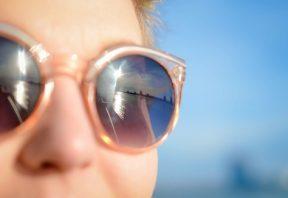 لکه های چشمی و نور خورشید