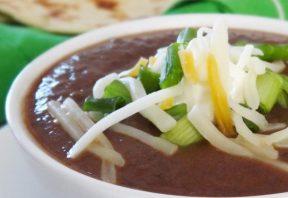 سوپ سالسا و لوبیا سیاه