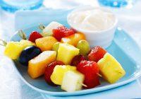 کباب میوه با دیپ عسل- ماست