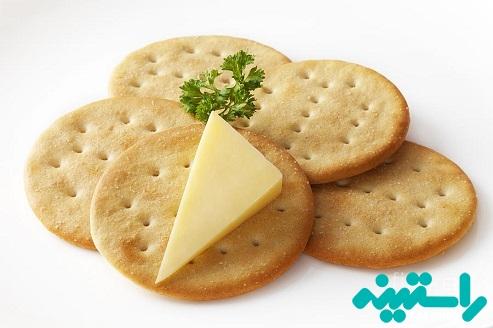 پنیر و بیسکوییت