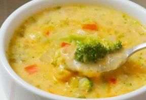 سوپ غلیظ بروکلی و پنیر
