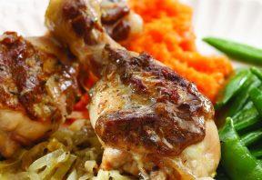 مرغ پخته با پیاز و ترهفرنگی