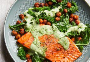 سالمون کبابی با سبزیجات و نخود دودی