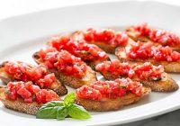 بروشتای گوجه فرنگی