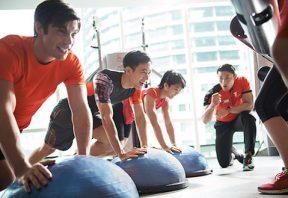 ورزش با دوستان