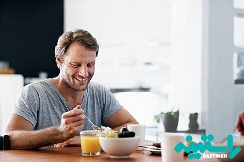 صبحانه خوردن در منزل