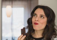 خوردن شکلات تلخ