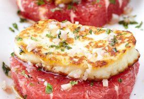 حلقههای گریپ فروت با پنیر هالومی