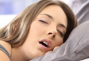 علت ترشح بزاق هنگام خواب