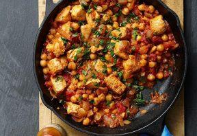 خوراک نخود و مرغ خاورمیانهای