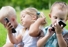 دادن تلفن به فرزندتان