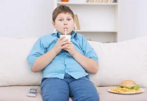 مشکل چاقی در نوجوانان